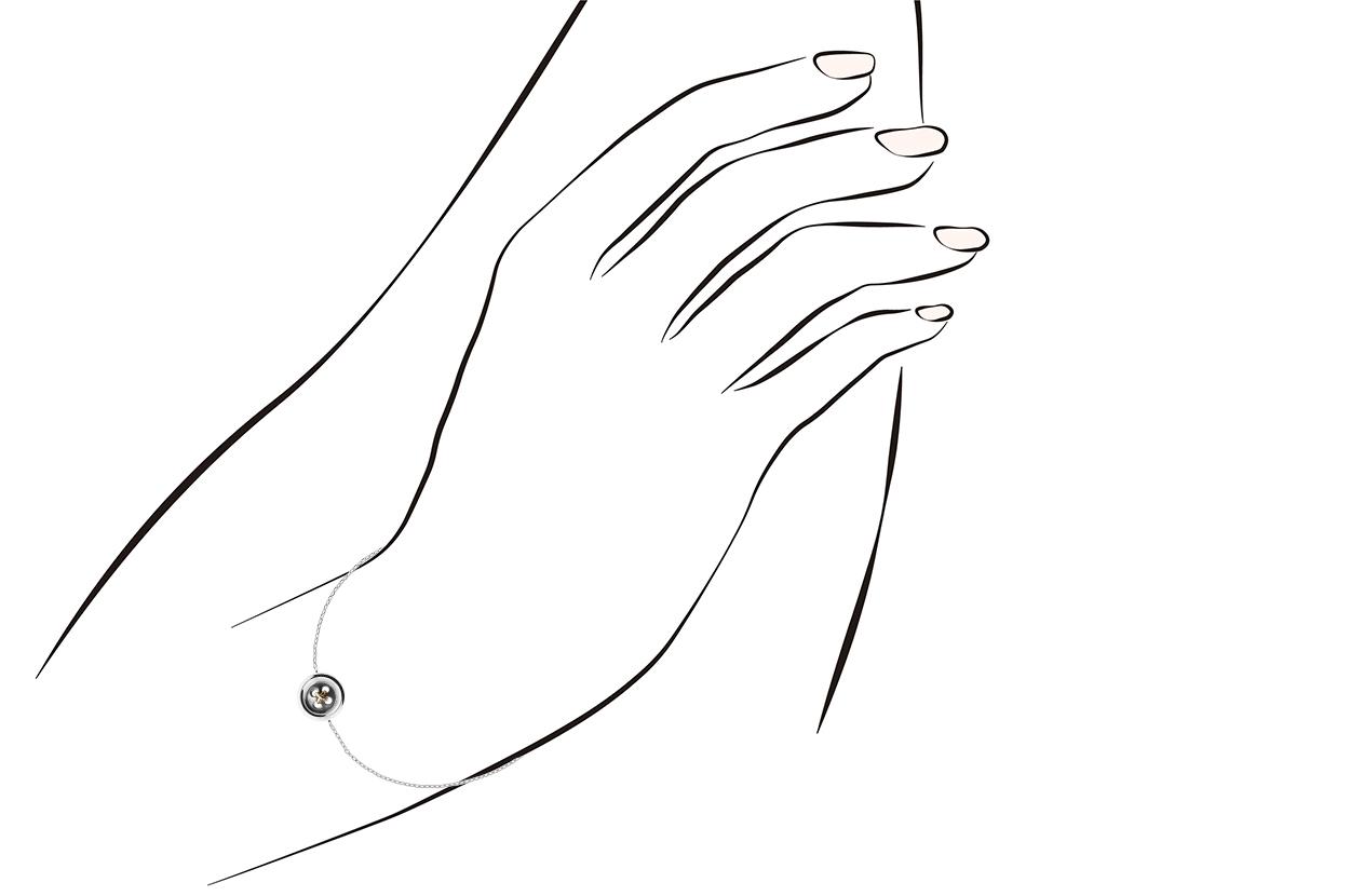 Joia: pulseira;Material: prata 925 e ouro 9kt;Peso: 2.90 gr (prata) e 0.20 gr (ouro);Cor: bicolor;Género: mulher